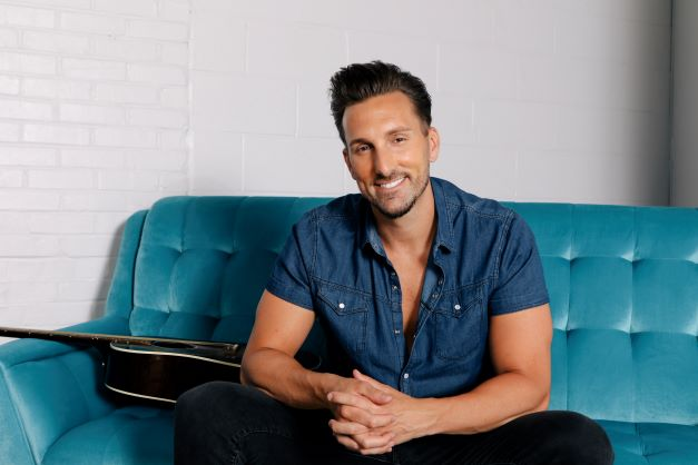 JD Shelburne on the Rooftop - hero